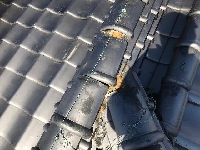 奈良市のいぶし瓦のズレを修理