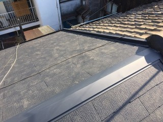 カラーベスト葺き替え後の屋根