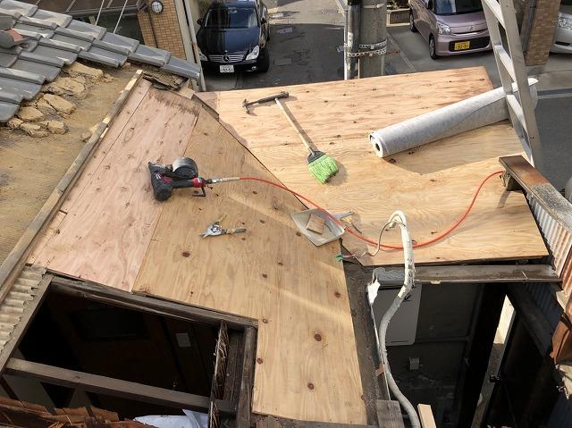 野地板を張った下屋根