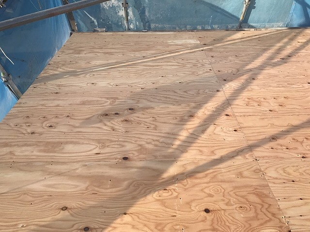 野地板設置後の屋根