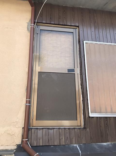 大和郡山市の外壁補修、ドア加工