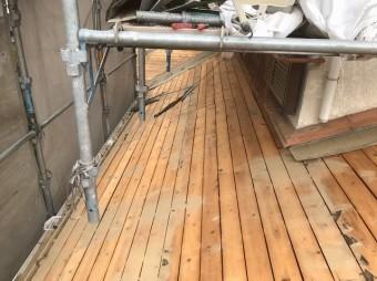 葺き土の撤去で見えてきた野地板の劣化