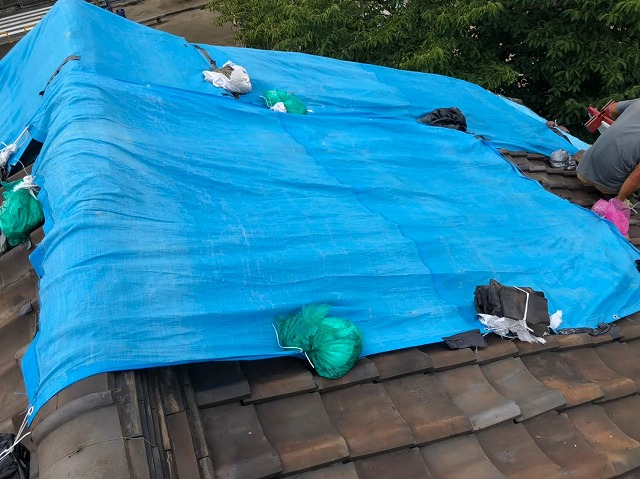 奈良市の雨漏り修理の雨養生