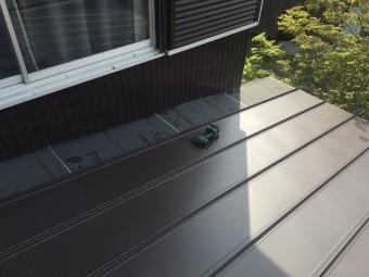 屋根材貼り