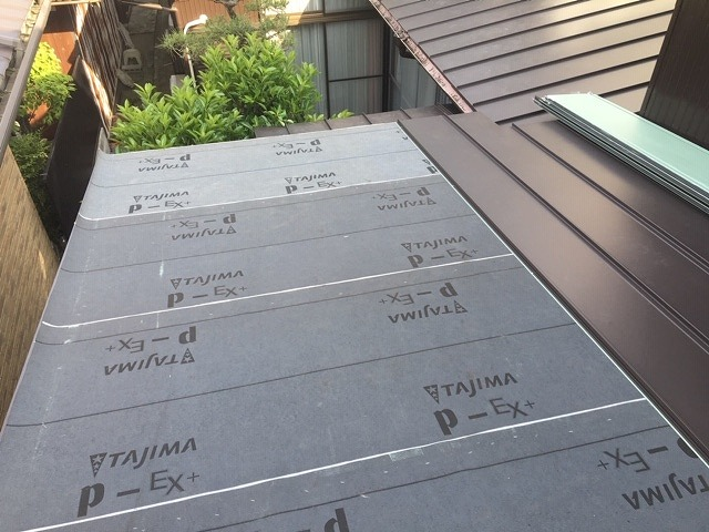 屋根材葺き