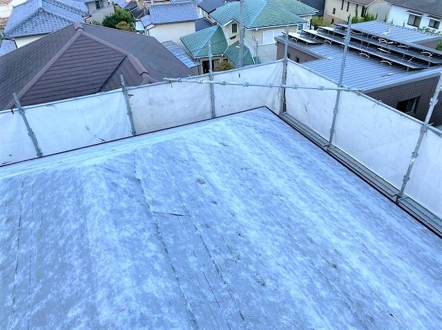 生駒市でカバー工法工事の為、粘着ルーフィングを設置完了