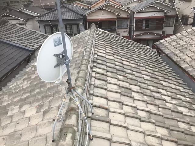 香芝市の沢山の葺き土で施工されている釉薬瓦屋根