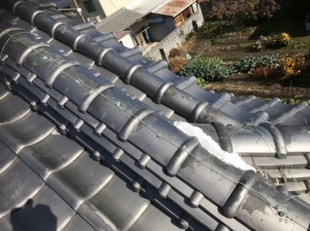 棟瓦の補修と漆喰