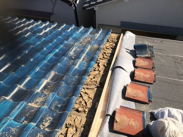 奈良市の瓦屋根の取り合い部分