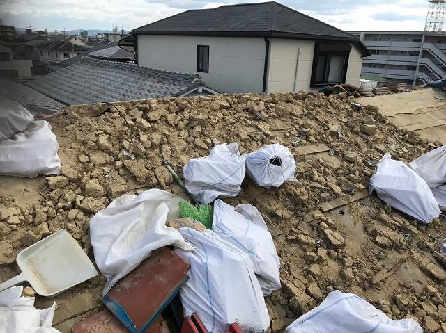 奈良市 長屋の釉薬瓦屋根 瓦撤去