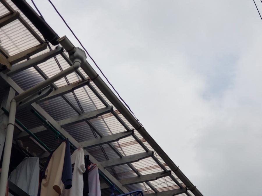 長期間メンテナンスしていなかった瓦屋根の傷んだ漆喰の補修工事