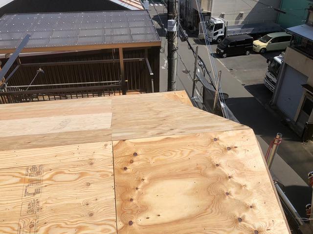 奈良市の屋根葺き替え工事の新しい野地板