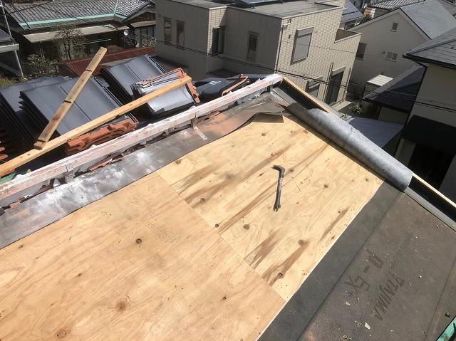 香芝市の平板瓦屋根の屋根下地調査