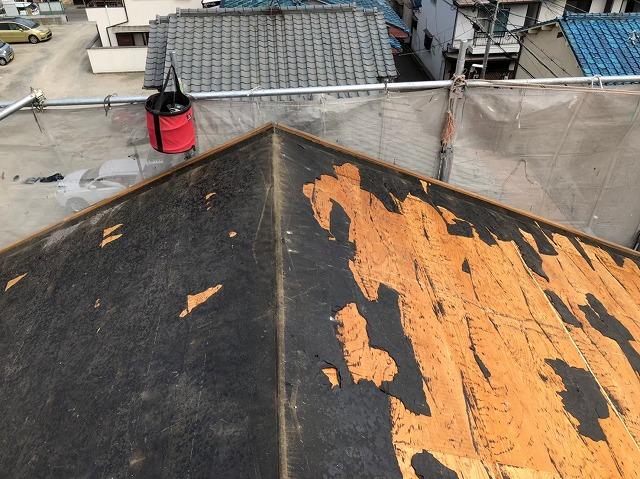 奈良市のカラーベスト屋根の屋根材撤去