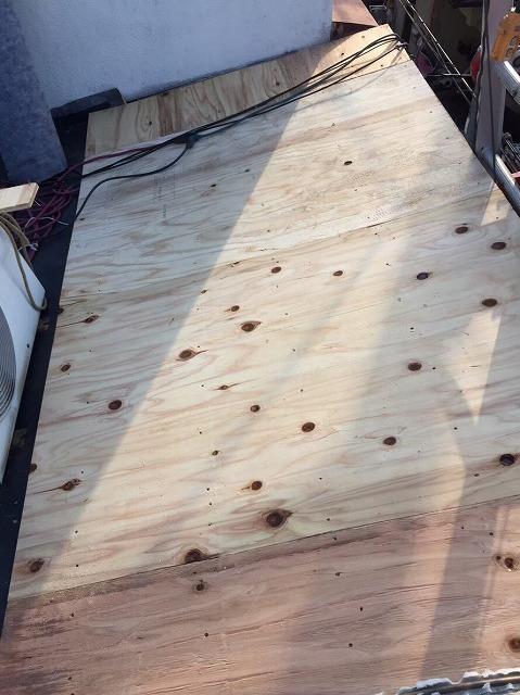 野地板の増し張り差し掛け屋根