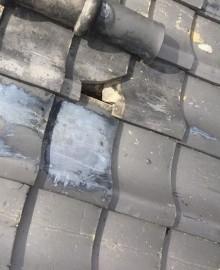 生駒市の飛来物で割れた平瓦