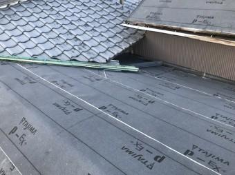 大和郡山市で野地板に防水紙設置