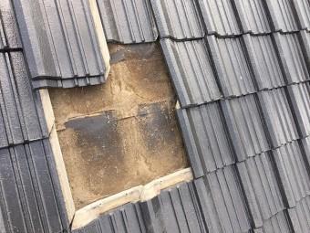 屋根の瓦めくり