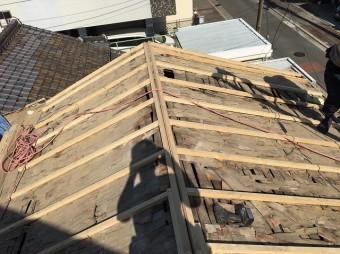 屋根の下地つくり