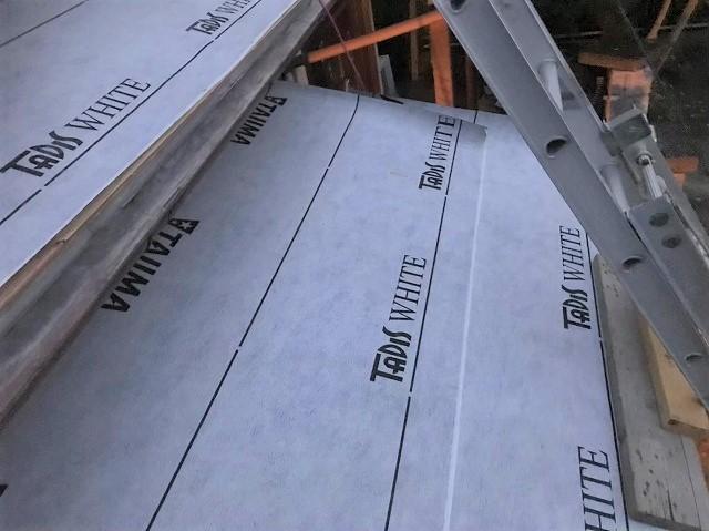 防水紙の設置下屋部分