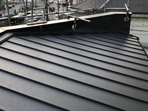 奈良市 店舗の屋根 瓦棒葺きトタン屋根 完成