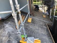 下屋根部分の瓦撤去
