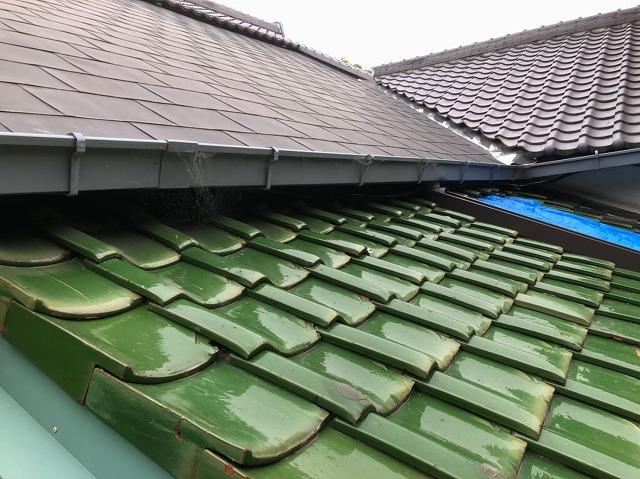 母屋部分の葺きなおし緑の瓦