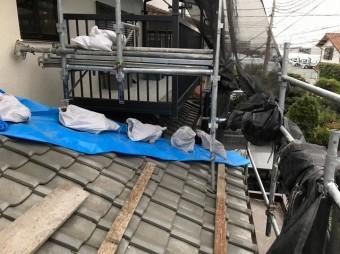 生駒市の下屋根の棟瓦点検