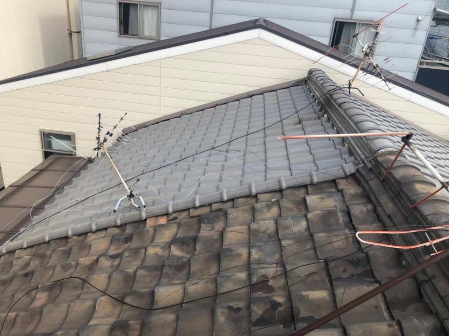 奈良市の長屋の粘土瓦屋根
