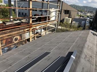 ルーフィングを張った屋根