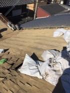 葺き替え工事で瓦の撤去