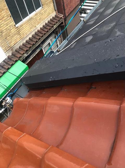 奈良市の屋根の取り合い板金設置