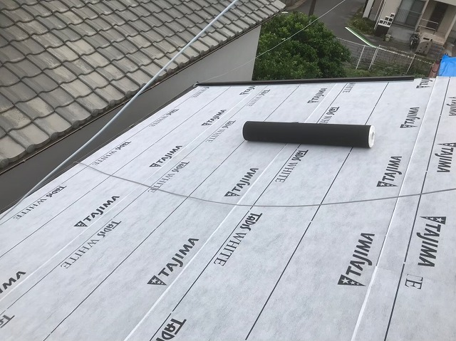 高品質な防水紙設置と周りの屋根
