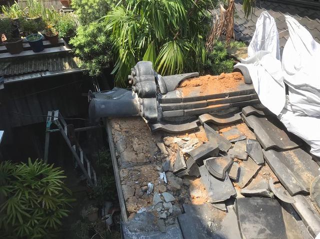 下屋根部分の倒壊
