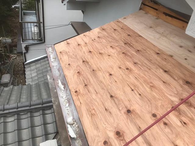 屋根強化で野地板の増し張り