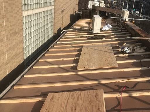 奈良市 店舗の屋根 瓦棒葺きトタン屋根不陸調整