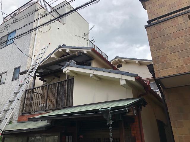 軽微な軒先の瓦落下の補修