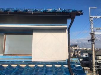 平群町で雨樋交換完成した横樋の様子