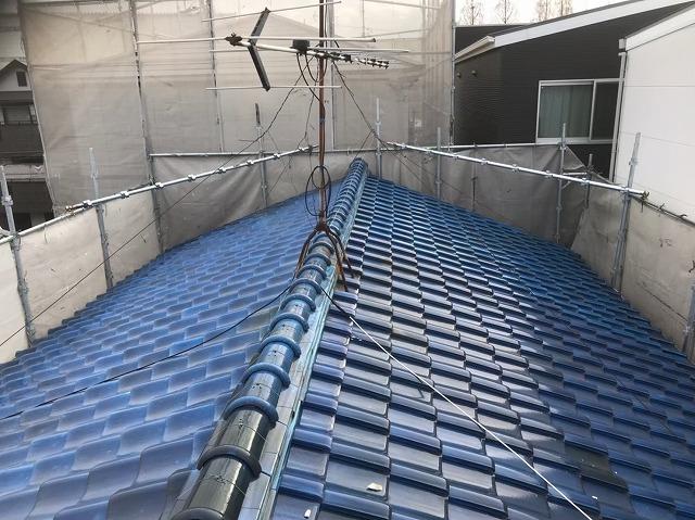 生駒市で青い陶器瓦屋根の無料点検