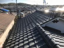 釉薬瓦屋根の全体像