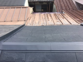 葺き替え完成の屋根