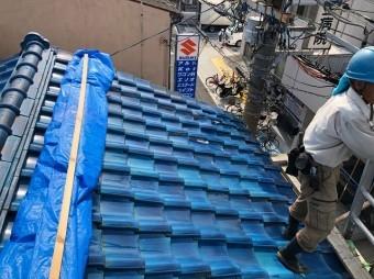 生駒市で釉薬瓦のお住まいの無料点検