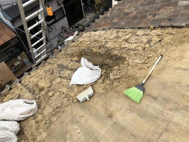 奈良市 雨漏りの和瓦撤去