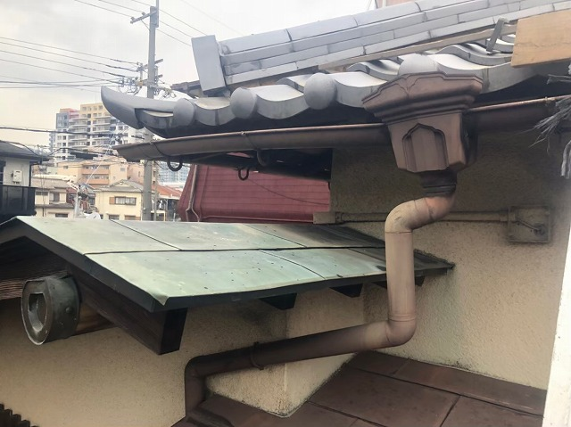 奈良市の瓦屋根の雨樋施工前