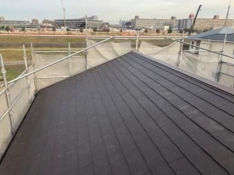 綺麗に葺き替えられたスレート屋根