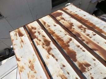 橿原市 錆びた金属下屋根 現調