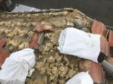 香芝市の瓦の撤去作業