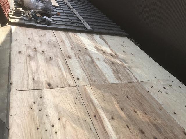 橿原市 和瓦屋根 野地板貼り