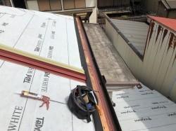 葺き替え工事で防水紙設置完了