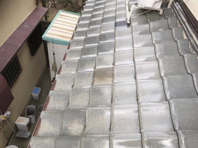 広陵町で平部の釉薬瓦の差し替え補修